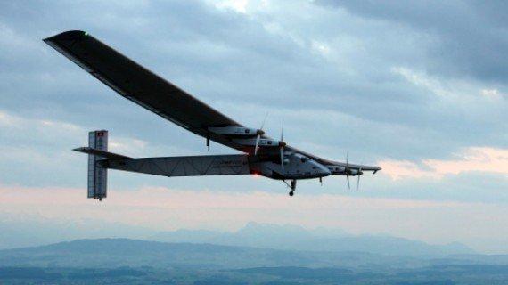 太阳能飞机环球飞行