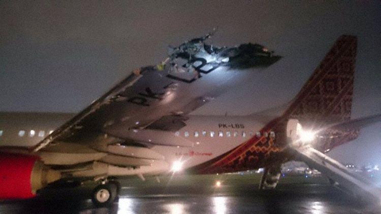 印尼两架客机在跑道相撞