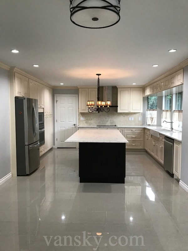 191019212307_kitchen and dining room.jpg